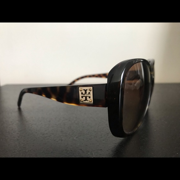 3e00c9cf8c57 Tory Burch Accessories | Make Offer Tory Burch Womens Sunglasses ...
